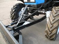 Трактор Беларусь с навесной лопатой