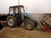 Трактор Беларус с дополнительным оборудованием