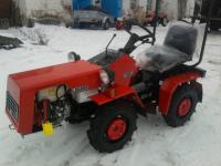 Минитрактор Беларус зимой