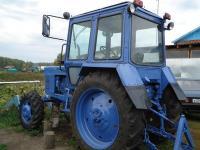 Трактор Беларусь с новыми шинами